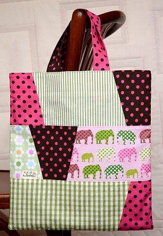 Malá taška se slony